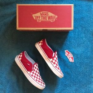 Vans Red Checkered Asher Sneaker ❤️